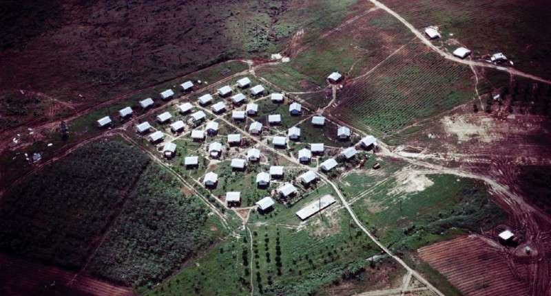Města duchů: Jonestown. Místo kde spáchalo sebevraždu 915 lidí.