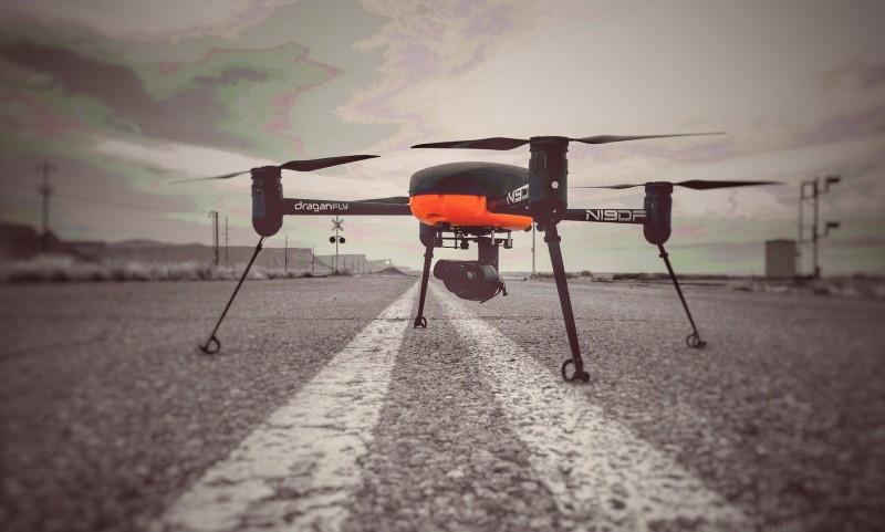 Věříte dronům? Nová technologie by mohla špehovat zdali dodržujete COVID opatření