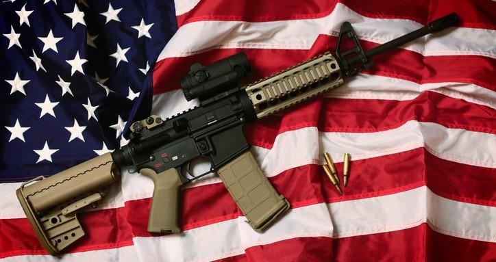 V Americe je více zbraní než lidí, odhadem 400 milionů zbraní není registrovaných
